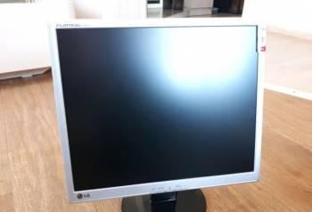 Монитор LG L1942S